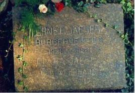 Grabstein Jaeger Wehrhahn